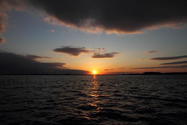 2012年2月27日:牛久沼に沈む太陽